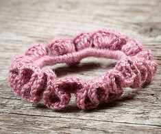 SalixAlba / Háčkovaná gumička do vlasov 1 Bracelets, Handmade, Hand Made, Bracelet, Bangles, Bangle, Arm Bracelets, Arm Work, Super Duo