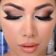 Beautiful makeup!!