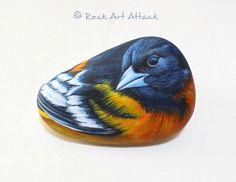 Pintado a mano de aves retrato en piedra Está por RockArtAttack