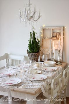 Christmas 2013 ~ My little white home by Nadine: Christmas Eve table setting