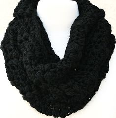 Downtown Woodlands Cowl in black - by www.behindmypicketfence.com