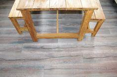Weiße Eiche mit Dunklem stark strukturiertem Holz