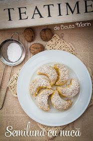 Din bucătăria mea: Prajitura Semiluna cu nuca Delicious Deserts, Christmas Cookies, Tea Time, Biscuits, Cake Decorating, Cereal, Diy And Crafts, Food And Drink, Veggies