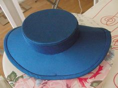 Zeitenzauberin: Crown and Brim - making a Natural Form era hat