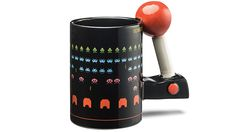 Remember playing Space Invaders in arcade centers with this mug. This Thinkgeek mug perfectly captures Space Invaders as it was actually. Space Invaders, Cool Mugs, Mug Shots, Mug Cup, Mug Designs, Cool Gadgets, Arcade Games, Kitchen Gadgets, Products