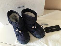 Mein Orig. Dolce&Gabbana Snow Boots Gr.25/26 von Dolce & Gabbana! Größe 25 für 58,00 €. Schau´s dir an: http://www.mamikreisel.de/kleidung-fur-jungs/halbhohe-stiefel/29246692-orig-dolcegabbana-snow-boots-gr2526.