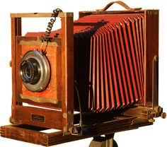 1921 - 1950, Eastman View Camera No. 2-D. Manufactured in the United States by Folmer Graflex Corp., Rochester, NY.