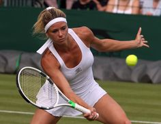 Wta Tennis, Sport Tennis, Tennis Racket, Camila Giorgi, Tennis Players Female, Maria Sharapova, Camilla, Sports Women, Big