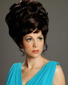 Lynda Kay with big hair nostalgia and a fabulous turquoise dress courtesy of Vin. Lynda Kay with b Retro Hairstyles, Straight Hairstyles, Crazy Hairstyles, Classic Hairstyles, Keratin, Rockabilly Moda, Bouffant Hair, Hair Updo, Asymmetrical Bob Haircuts
