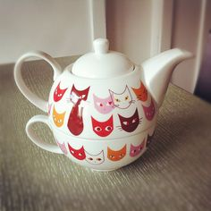 Cat teapot!!! Aimee ceramics
