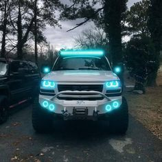 Now this I like, I love it all but the top light, but the rest = thumbs up..... There is another one im about to post on thats pink and hate to say it loox even MORE awesome, it may be the snoke and angle but the pink light truck is soooooooo awesome Old Pickup Trucks, Pick Up