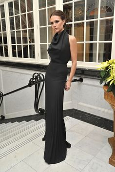 Victoria Beckham in Victoria Beckham at the British Fashion Awards, November 2011 Fashion Mode, Look Fashion, Mode Victoria Beckham, Vic Beckham, Victoria Fashion, Victoria Beckham Fashion, Victoria Beckham Outfits, Style Couture, Looks Black