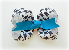 Cool look, would do this with ribbon that has pattern on both sides.