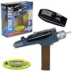 Star Trek Classic Gold Handle Phaser - EE Exclusive   #comicsCollectables http://www.planetgoldilocks.com/comics_collectables.htm