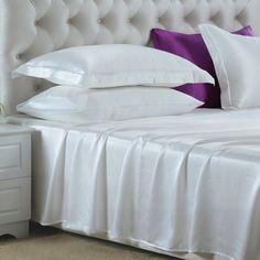 Blanc, Nuestras sábanas encimeras de #seda se han fabricado con la mejor seda de #morera de #19 mm, que es hermosa, suave y lujosa. Se puede ajustar de forma natural a la temperatura del cuerpo, es resistente al polvo y te brinda un sueño maravilloso. De: https://www.oosilk.com/es/silk-flat-sheets-c.html