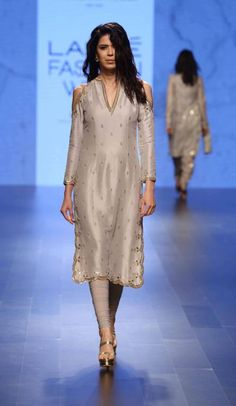 Dove Grey Cold Shoulder Scallop Embroidered Kurta set available only at Pernia's Pop Up Shop. Pakistani Dress Design, Pakistani Outfits, Indian Outfits, Indian Dresses, Lakme Fashion Week, India Fashion, Look Fashion, Ethnic Fashion, Kurti Designs Party Wear