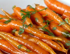 maple + brown butter carrots -- easy and perfect for easter dinner!