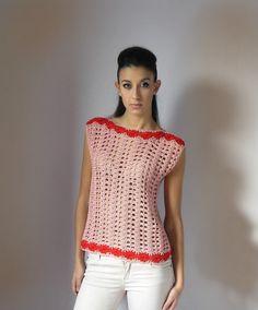 Love this top, so simple! very elegant! #crochet