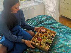 Brunch Lieferservice: Bali Box Frühstück für daheim - The Chill Report Falafel, Wraps, Bali, Brunch, Breakfast, Decor, Fine Dining, Eat Clean Breakfast, Meal
