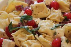 Delicious Caprese Tortellini Pasta Salad | vixenskitchen.com