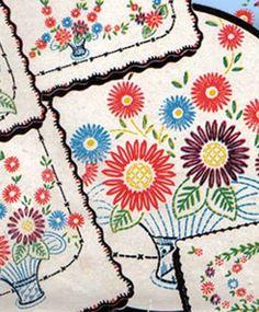 1940s Vintage Lazy Daisy Tablecoth & Runner Uncut Vogart Embroidery Transfer 118 #Vogart #TableClothRunners