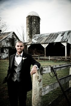 Groom Portrait Briar Patch| WHysall Photography