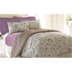 6 Piece Comforter Set Chloe King - One Over sized-Overfilled Comforter, - Two Embellished Shams, - 6 piece Comforter Set - Three Decorative Pillows (filled) - Care Instruction: Dry clean recommended - Luxury Comforter Sets Queen, Elegant Comforter Sets, King Comforter Sets, Luxury Bedding, Bedding Sets, Chic Bedding, Pottery Barn Teen Bedding, Bed Rug, Home Collections