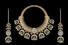 Gold Jewelry In China Real Gold Jewelry, Royal Jewelry, India Jewelry, Gems Jewelry, Jewelry Art, Jewelery, Fashion Jewelry, Trendy Jewelry, Statement Jewelry