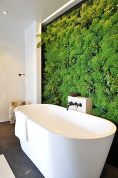 7 Modern Interior Trends Reinventing Classic Luxury and Versatile Functionality Green wall design, a vertical garden in your bathroom! Modern interior design ideas and color trends Interior Design Minimalist, Home Interior Design, Interior And Exterior, Interior Decorating, Design Interiors, Modern Design, Decorating Ideas, Interior Designing, Decorating Websites