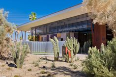 Palm Springs Animal Care Facility / Swatt Miers Architects.