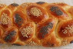 Greek Easter Bread (tsoureki) memories I miss greece Greek Desserts, Greek Recipes, Easter Recipes, Holiday Recipes, Greek Easter Bread, Best Greek Food, Biscuit Bar, Craving Sweets, Greek Dishes