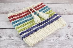 Free Crochet Pattern: Vista Valley Convertible Cowl #freepattern #crochet #cowl