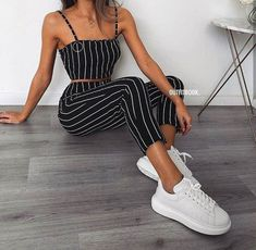 Chic and casual outfits 2019 charming, spring summer outfits ideas nice gorgeous teen fashion outfits Teenager Outfits, Girl Outfits, Fashion Outfits, Fashion Trends, Fashion Styles, Style Fashion, Fashion Mode, Disco Outfits, Fashion News