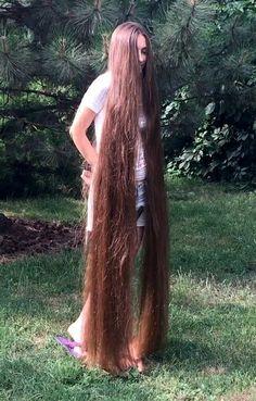 VIDEO – Extremely long and healthy hair – radomski hans-jörg - Perm Hair Styles Long Hair Play, Long Red Hair, Underlights Hair, Really Long Hair, Permed Hairstyles, Party Hairstyles, Wedding Hairstyles, Playing With Hair, Beautiful Long Hair