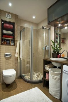 4 Easy Tricks to make your bathroom look big