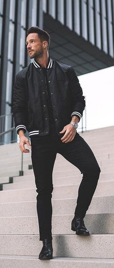 A monochrome fall combo with a black white striped jacket silver watch blac All Black Fashion, All Black Outfit, Black Outfits, Beach Wear Dresses, Nice Dresses, Men Fashion Show, Mens Fashion, Fashion Hats, Fashion Ideas