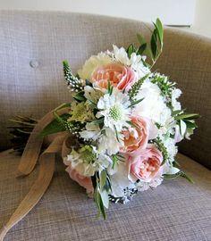 Delicate Wedding Bridal Bouquets to Make You Wow - MODwedding