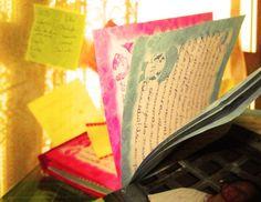 """ler, reler e reviver  6°semestre turma D, Criação manhã Produtor: Marina Saito  Fotografo: Marina Saito  _________"""" Todos nós temos nossas máquinas do tempo. Algumas nos levam pra trás, são chamadas de memórias.  Outras nos levam para frente, são chamadas sonhos."""" __________"""