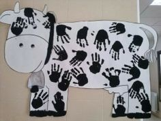 How cute is this sheep craft for the kiddos? I love farm activities! Would be gr… How cute is this sheep craft for the kiddos? I love farm activities! Would be great for home school , preschool and kindergarten babies Farm Animals Preschool, Farm Animal Crafts, Sheep Crafts, Preschool Crafts, Preschool Farm Theme, Home School Preschool, Zoo Animals, Diy Crafts, Farm Activities