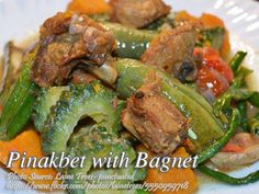 Ginisang Pinakbet with Bagnet Vegetable Soup Healthy, Healthy Soup, Vegetable Dishes, Vegetable Recipes, Meat Recipes, Cooking Recipes, Healthy Recipes, Filipino Dishes, Filipino Recipes