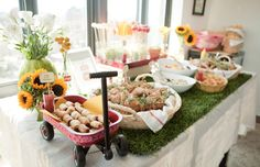 {BN Black Book of Parties} Picnic 1st Birthday Party - A Blissful Nest