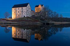 Kastelholm by night by Patrik Arneke on 500px