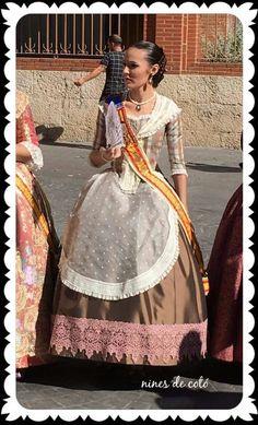 Folklore, Saree, Costumes, Dresses, Fashion, Templates, Saddle Pads, Shandy, Petticoats