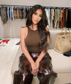 Looks Kim Kardashian, Estilo Kardashian, Kardashian Style, Kim Kardashian Blazer, Kardashian Jenner, Stylish Outfits, Cute Outfits, Fashion Outfits, Womens Fashion