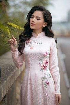 44 trendy elegant dress for wedding indian Vietnamese Traditional Dress, Vietnamese Dress, Traditional Dresses, Ao Dai, Indian Designer Outfits, Designer Dresses, Mermaid Dresses, Girls Dresses, Salwar Designs