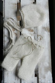 Knit baby pants and hat Photo prop set by TheMoonlightShadow, $42.00
