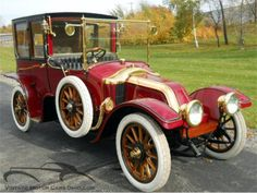 The 1912 Renault Type CB Coupe de Ville that William Carter of Bryn Mawr, Pennsylvania carried along with him from Europe to America.on board the Titanic. Retro Cars, Vintage Cars, Vintage Auto, Roadster, Rms Titanic, Titanic Art, Limousine, Unique Cars, Old Trucks