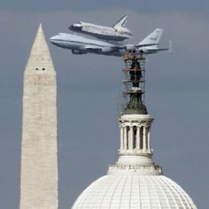 Space Shuttle Discovery arriving at Dulles in Washington, DC. Its final resting place.