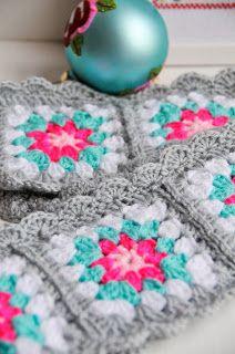 Helen Philipps: Merry Christmas alpine scarf