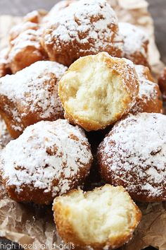 Pile of Biscuit Beignets with one cut in half to show the soft, fluffy inside. Donut Recipes, Gourmet Recipes, Bread Recipes, Bisquick Recipes, Fun Recipes, Pastry Recipes, Baking Recipes, Beignets, Deserts